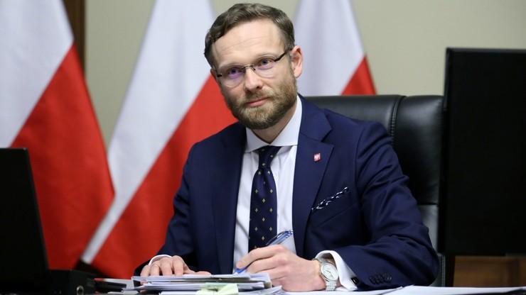 """Szczecin już nie """"wspiera kobiet""""? Wojewoda unieważnił stanowisko rady miasta"""