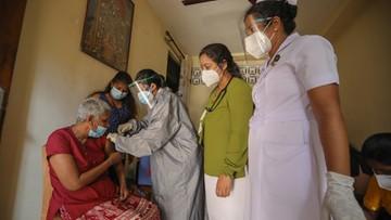 """""""Epidemia młodych"""" i przyspieszona ocena nowej szczepionki. Koronawirus - Raport Dnia"""
