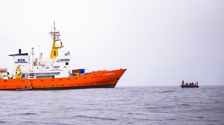 """""""Zamykamy porty"""". Szef MSW zapowiada, że Włochy nie wpuszczą kolejnych statków z migrantami"""
