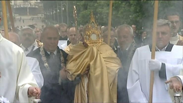 #Procesja. Biskup zachęca do dzielenia się zdjęciami z Bożego Ciała