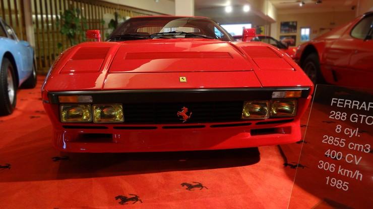 Odjechał wartym 2 mln euro Ferrari podczas jazdy testowej. Policja szuka mężczyzny