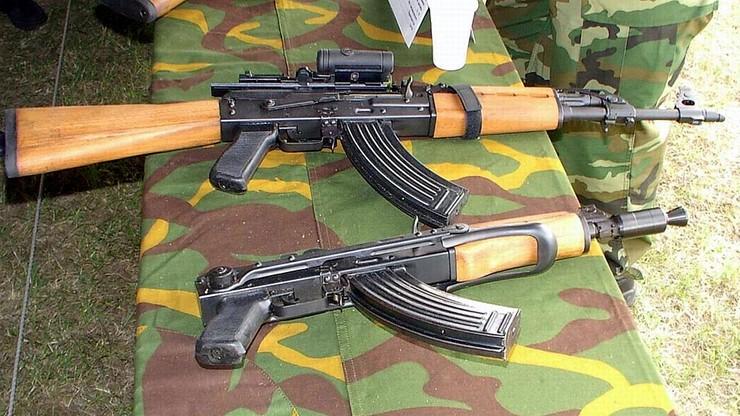 Broń użyta w zamachach w Paryżu pochodzi z byłej Jugosławii