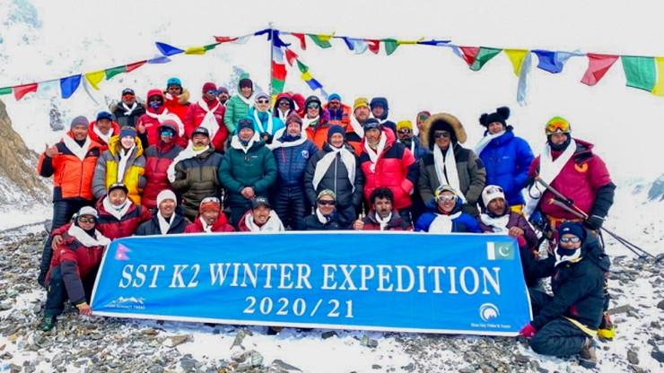 Nepalczycy wrócili do bazy. Wszyscy zdobywcy K2 są już bezpieczni