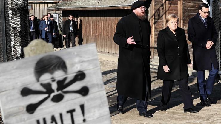 """""""Bierność wobec przekłamań historycznych oznacza bycie ich współautorem"""" - Morawiecki w Auschwitz"""