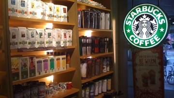 Plastikowe słomki znikną z kawiarni Starbucks