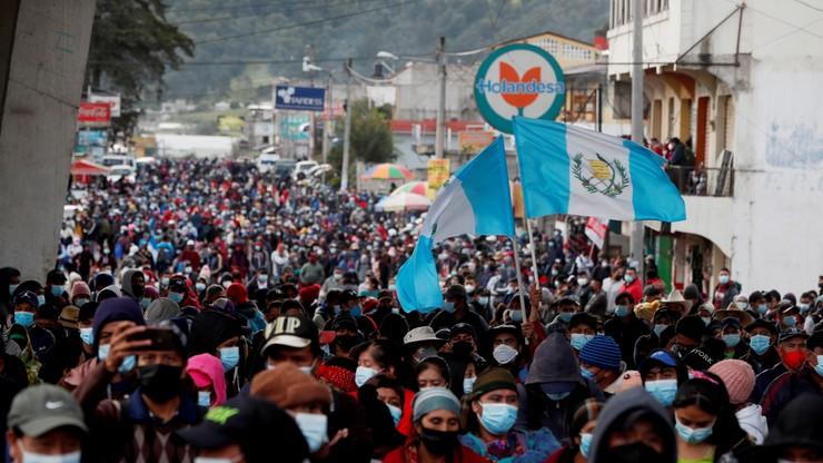 Gwatemala. Tysiące ludzi demonstrowało w stolicy przeciwko prezydentowi