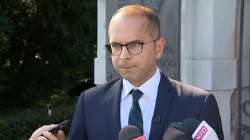 Szczerba apeluje, aby Jaki przekazał pełne dane ws. podwójnego zabójstwa w Warszawie
