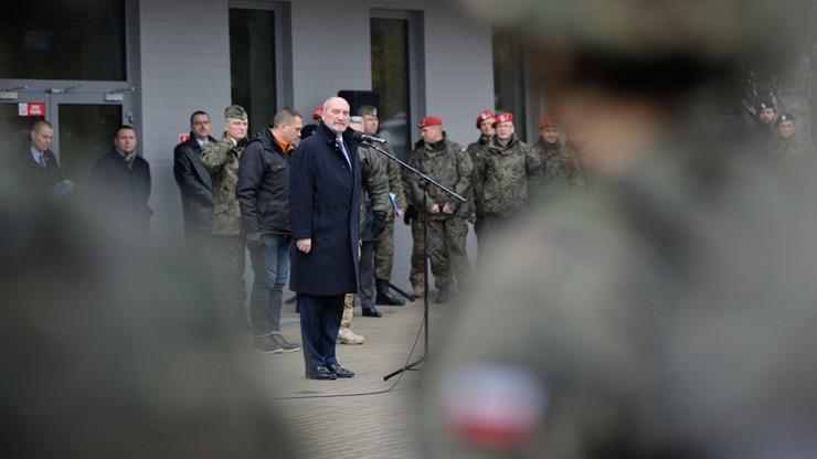 """""""Odpowiem na list ministrów obrony Francji i Niemiec"""" - zapowiedział Macierewicz"""