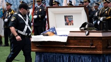 Uratował życie opiekunowi. Pies oficer pochowany z honorami