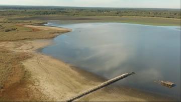 Jezioro zmalało o dwie trzecie. Mieszkańcy mówią o tragedii