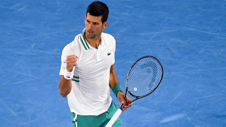 Australian Open: 18. wielkoszlemowy tytuł Novaka Djokovica. Rosjanin pokonany w trzech setach