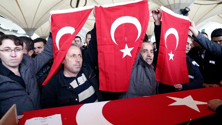 Turcy bombardują pozycje kurdyjskie w odwecie za zamach w Ankarze