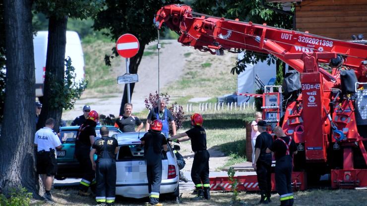 Samochód wpadł do Wisły w Warszawie. Na miejscu straż pożarna