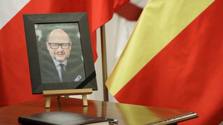Kancelaria Prezydenta: żałoba narodowa po śmierci Pawła Adamowicza od  17 w piątek do 19 w sobotę