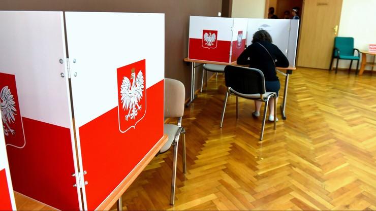 Turyści ruszyli na głosowanie. Kolejne miasta sięgają po rezerwy kart wyborczych
