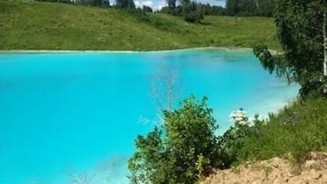 """Turkusowe """"jezioro"""" kusi instagramowiczów. Elektrownia ostrzega: to wysypisko odpadów"""