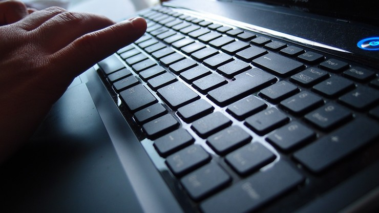 Haker przyznał się do wspierania tzw. Państwa Islamskiego. Kradł dane żołnierzy