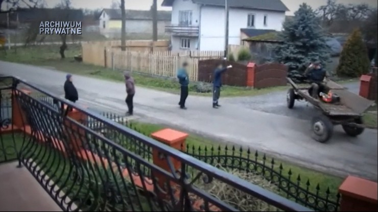 """Nagrywają i donoszą na sąsiadów, do nękania wykorzystują policję. Reportaż """"Państwa w Państwie"""""""