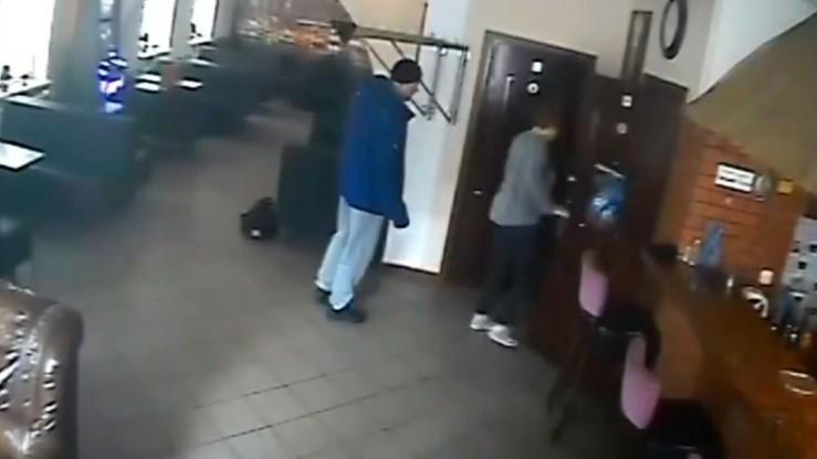 Napadł na pracownicę baru i ukradł pieniądze z restauracji