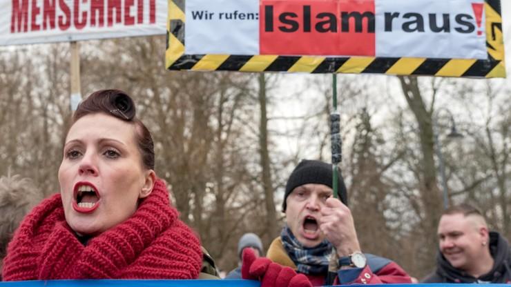 """""""Chociebuż nowym frontem walki przeciw polityce wobec uchodźców"""""""
