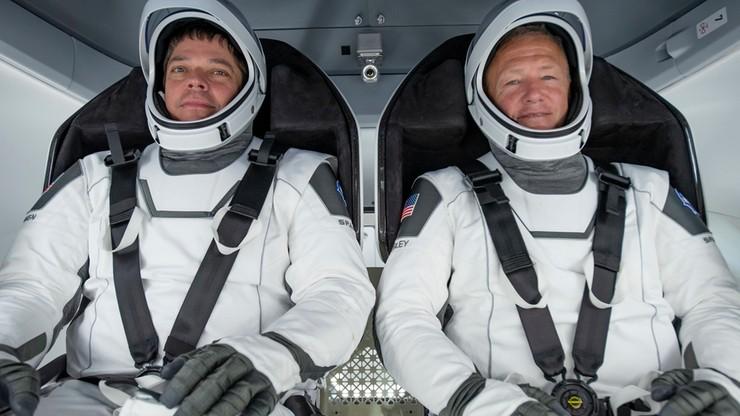 Dwa miesiące w kosmosie. Astronauci z Dragon-2 wrócili na Ziemię