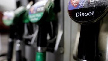 Ekspert: niski poziom cen ropy to dla Polski więcej korzyści niż zagrożeń