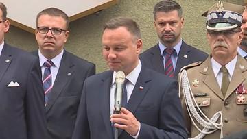 """""""Przepraszam, wzruszyłem się"""". Prezydent Duda przerwał przemówienie w Krakowie"""