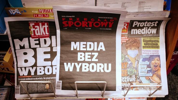 Którzy sportowcy poparli protest mediów?