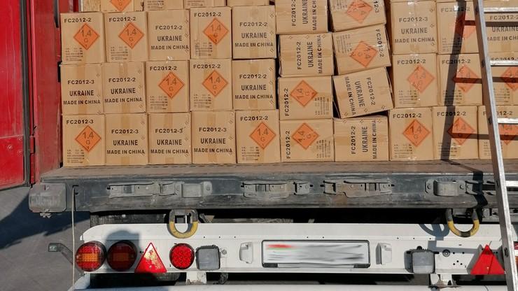 Wiózł przez Polskę 25 ton fajerwerków bez żadnego zabezpieczenia