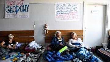 Blisko 200 pielęgniarek na zwolnieniach lekarskich. Trwa protest głodowy w Przemyślu