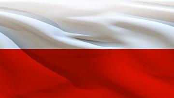 Krzyż może wrócić na godło, a flaga zmienić kolory. Rozpoczęły się prace nad nowelizacją ustawy