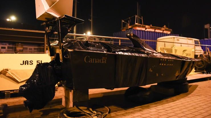 Rybacy z Jastarni wyłowili z Bałtyku kanadyjski wojskowy pojazd. Nosi ślady po kulach