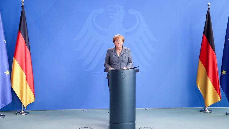 Merkel ostro skrytykowała próbę puczu w Turcji