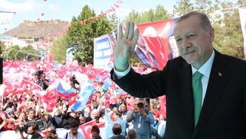 Trump podwaja cła nałożone na Turcję. Przyśpiesza załamanie kursu liry, cierpi też złoty