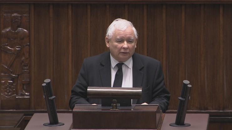 """Jarosław Kaczyński po operacji. """"Wszystko idzie w dobrym kierunku"""""""