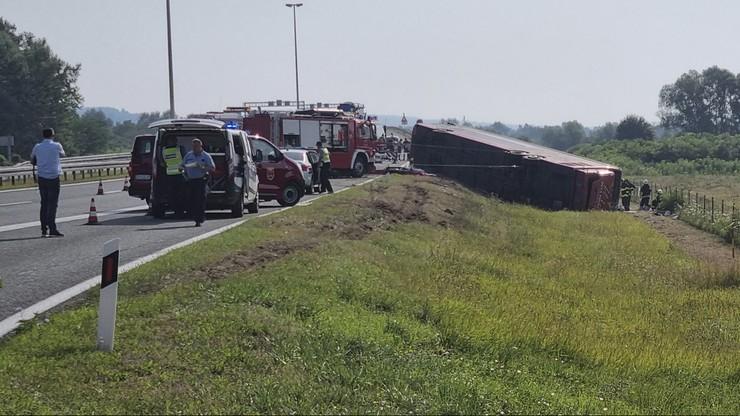 Chorwacja: wypadek autobusu w pobliżu Slavonskiego Brodu. Kierowca zasnął za kierownicą