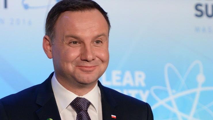 Prezydent wydał ponad 860 tys. zł  na nagrody dla swoich pracowników [AKTUALIZACJA]