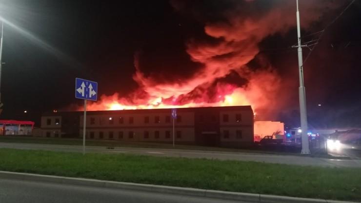 Ogromny pożar w Lublinie, w magazynie gazy techniczne