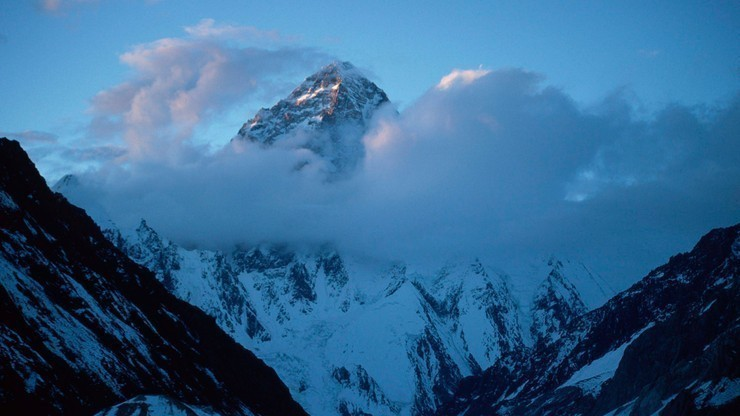 Zimowe wejście na K2: Kłopoty Magdaleny Gorzkowskiej, Polka wróciła do bazy