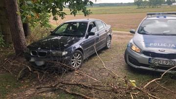 Pijany kierowca uciekał przed policją. Wiózł żonę i troje dzieci