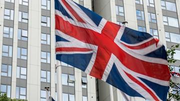 Brytyjski rząd: 149 wieżowców mieszkalnych ma łatwopalną elewację
