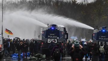 Starcia między koronasceptykami i policją w Berlinie