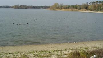 Skażona woda w Ostrowie Wielkopolskim. Podtrzymano zakaz kąpieli do odwołania