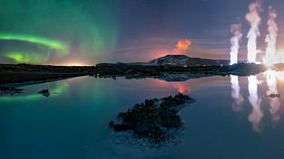 09.05.2021 08:00 Polka uwieczniła na jednym zdjęciu trzy największe cuda Islandii. Zorzę polarną, fontanny lawy i gorące źródła