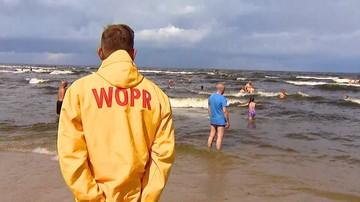 Weszli do morza na niestrzeżonej plaży. 55-latek utonął, 37-latek zaginął