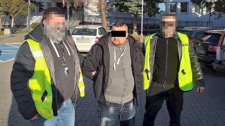 Arsenał broni w gołębniku. 35-latek zatrzymany przez policję