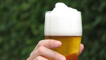 Piwo w oczekiwaniu na wynik testu na koronawirusa. To pomysł duńskiego baru