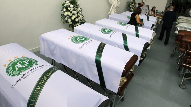 Piłkarze Chapecoense mogą zdobyć puchar, mimo że zginęli w katastrofie