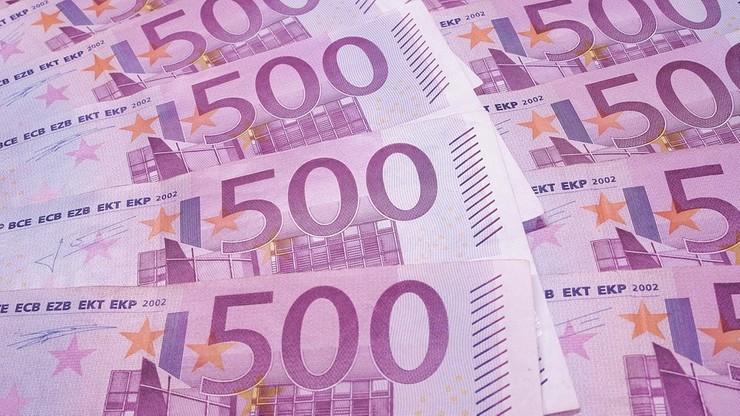 Dziesiątki tysięcy euro pocięte i spuszczone w toalecie. Banknoty zatkały rury