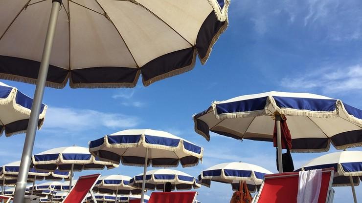 Trąba powietrzna nad rzymską plażą. Są ranni